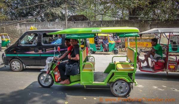 Electric rickshaw delhi